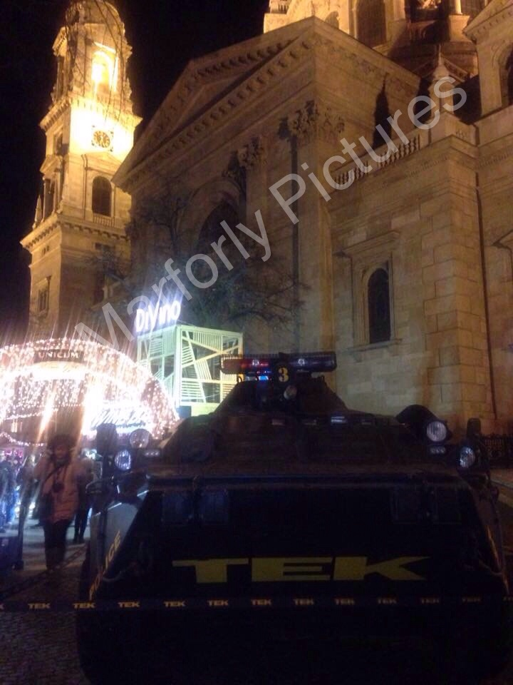 Christmas Market with the Hungarian Anti-Terror(ist) Force (TEK) in full view. A gesture by which to reinforce the old mantra of